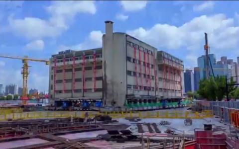 الصورة: الصورة: (فيديو) في الصين.. إذا لم تذهب إلى المدرسة فإنها تأتي إليك!
