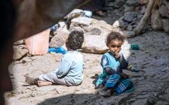 الصورة: الصورة: «كورونا» يهدد مليار شخص بالفقر المدقع