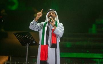 الصورة: الصورة: عشق الإمارات يجمع بلقيس والشحي في وسط دبي