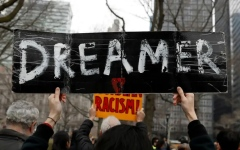 الصورة: الصورة: محكمة أمريكية تأمر بإعادة فتح باب الطلبات لبرنامج خاص بالمهاجرين