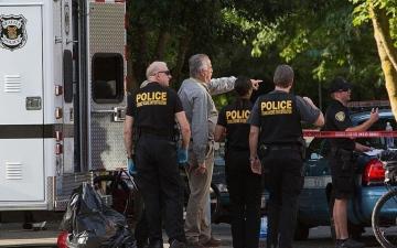 الصورة: الصورة: تلميذ ينتحر بالمسدس خلال حصة مدرسية عن بعد