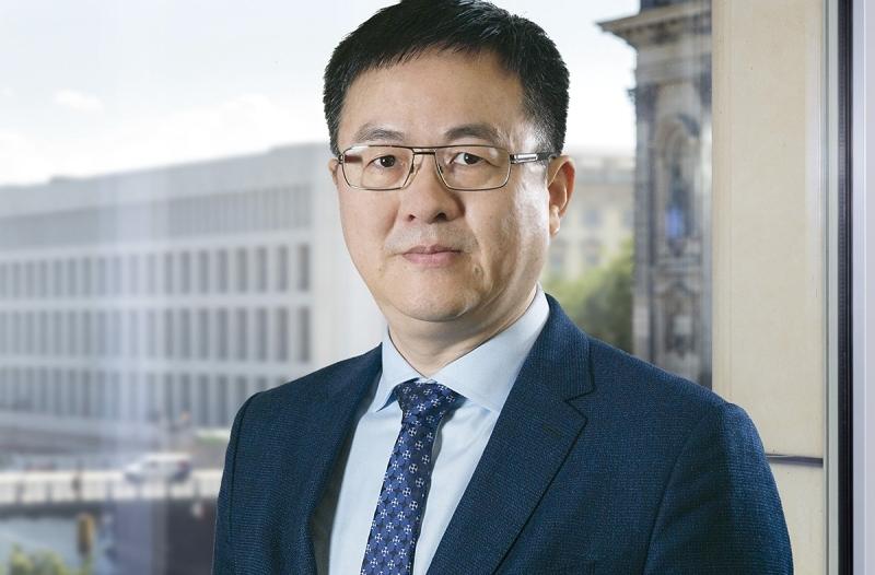 """الصورة : كيفن تو - كبير المستشارين في """"Agora Energiewende""""، وأستاذ مساعد في جامعة Beijing Normal (بكين نورمال)."""