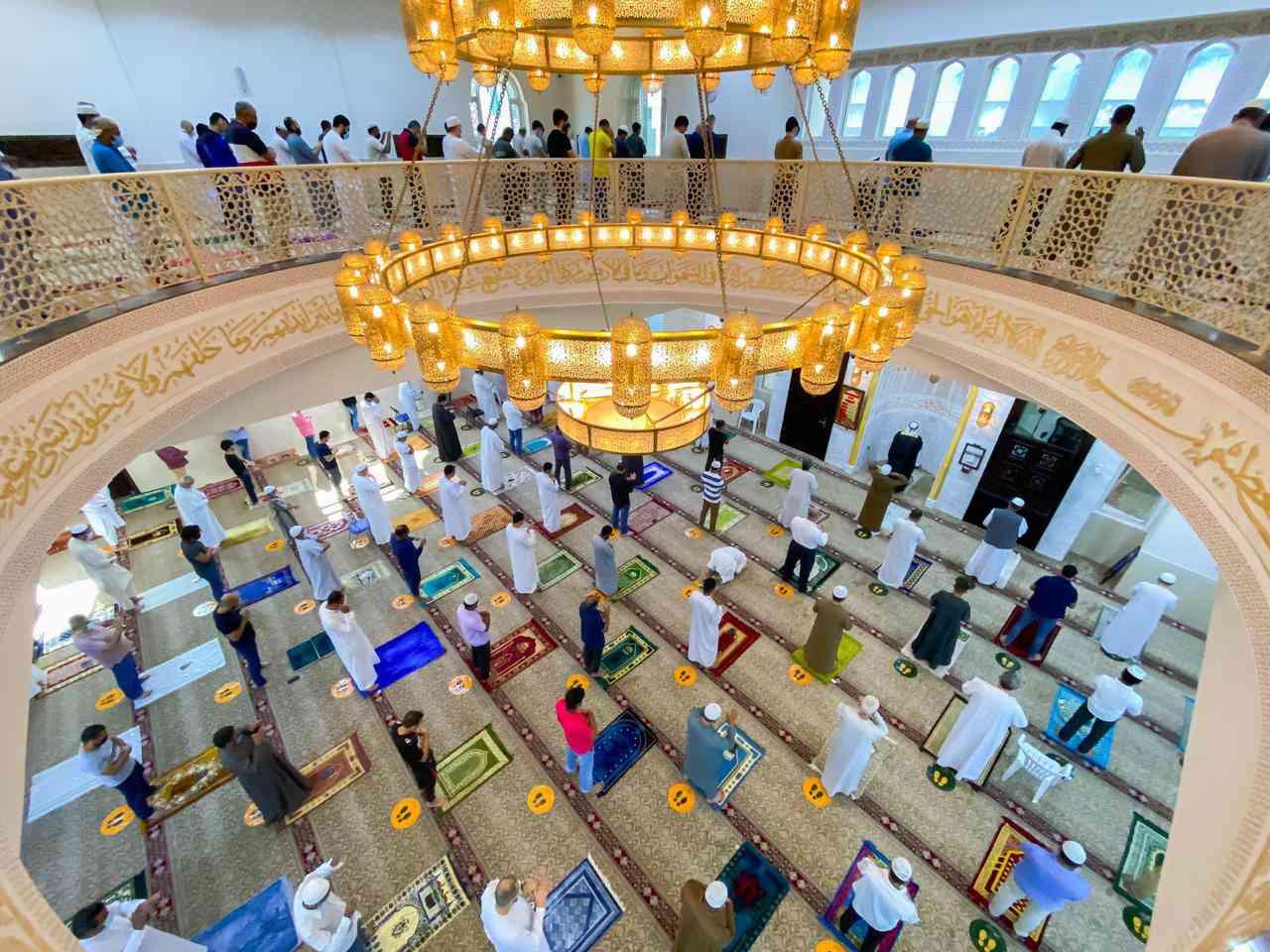 الصورة : صلاة الاستسقاء من أحد مساجد أبوظبي - تصوير أحمد بدوان