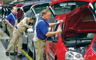 الصورة: الصورة: رئيس فولكس فاغن قلق من دخول آبل عالم صناعة السيارات