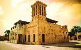 الصورة: الصورة: «ألوان الجزيرة العربية» لوحات من الإمارات في معرض صور بالهند