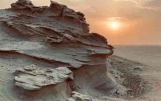 الصورة: الصورة: كثبان الوثبة الجبلية  من أقدم عجائب الطبيعة