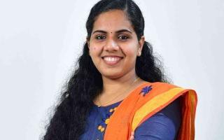 الصورة: الصورة: طالبة بعمر 21 عاماً مرشحة لمنصب رئيس بلدية في ولاية كيرلا الهندية