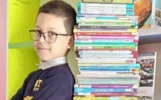الصورة: الصورة: طفل جزائري يقرأ 276 كتاباً في وقت قصير