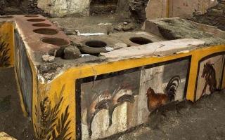 الصورة: الصورة: اكتشاف مطعم للوجبات الساخنة عمره 2000 عام في إيطاليا