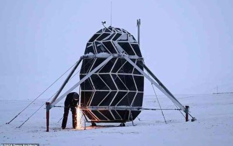 الصورة: الصورة: ملجأ في غرينلاند لمحاكاة ظروف القمر القاسية