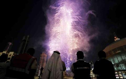 الصورة: الصورة: وجبة سريعة بـ 1000 درهم في دبي ليلة رأس السنة
