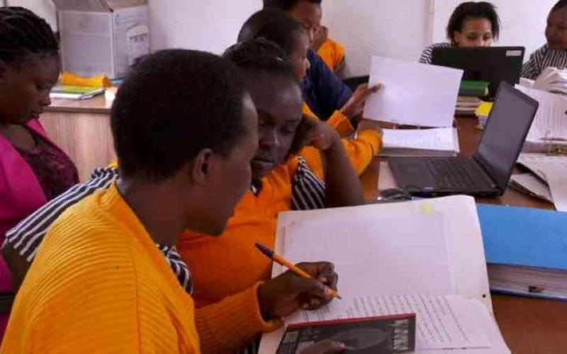 الصورة: الصورة: تدريب سجناء في كينيا وأوغندا ليصبحوا محامين