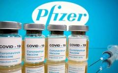 """الصورة: الصورة: توصيات """"الصحة العالمية"""" حول الفترة الفاصلة بين جرعتي لقاح بيونتيك وفايزر"""