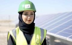 الصورة: الصورة: 1948 موظفة في «كهرباء دبي» 81 % منهن مواطنات