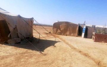 الصورة: الصورة: اللاجئون السوريون في المخيمات العشوائية.. معاناة على اختلاف الفصول
