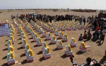 الصورة: الصورة: «الهلال الإماراتي».. التزامٌ بإغاثة سكان الساحل الغربي