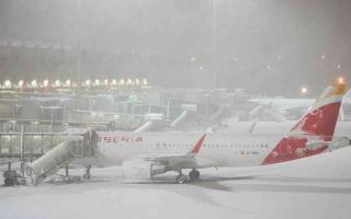 الصورة: الصورة: استمرار إغلاق مطار مدريد بعد اجتياح عاصفة فيلومينا للمدينة