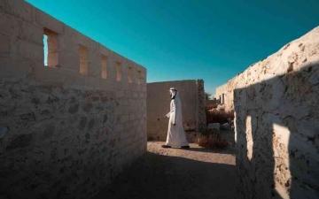 الصورة: الصورة: يوسف بن شكر يوثق الحياة في جزيرة الزعاب
