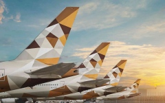 الصورة: الصورة: «الاتحاد للطيران» تلغي رحلتين إلى مدريد بسبب سوء الأحوال الجوية
