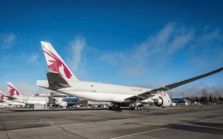 الصورة: الصورة: بوينغ تسلّم ثلاث طائرات شحن من طراز 777 للخطوط الجوية القطرية