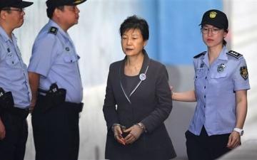 الصورة: الصورة: المحكمة العليا في كوريا الجنوبية تؤيد سجن الرئيسة السابقة 20 عاماً