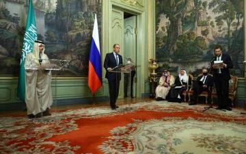 الصورة: الصورة: السعودية وروسيا تبحثان سبل تطوير التعاون الثنائي