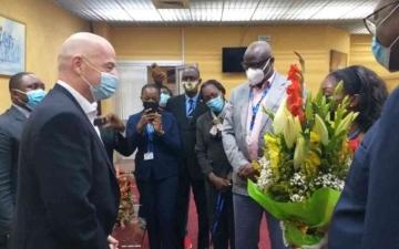 الصورة: الصورة: انفانتينو في الكاميرون لافتتاح بطولة أفريقيا للمحليين