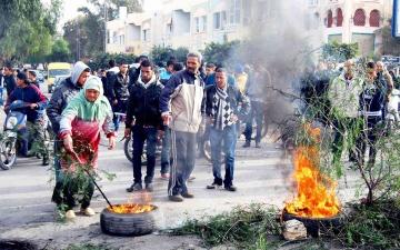 الصورة: الصورة: تونس.. تصاعد الاحتجاجات و«إضراب تطاوين» إلى 25 الجاري