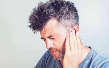 الصورة: الصورة: ماذا يعني طنين الأذن؟