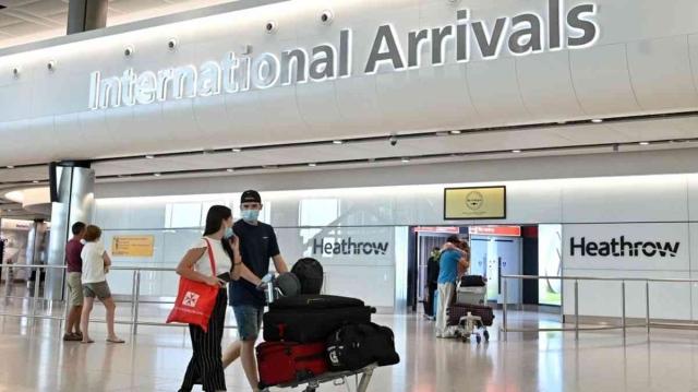 صورة بريطانيا تحظر دخول المسافرين القادمين إليها من دول الحظر قبل مرور 10 أيام – الاقتصادي – سياحة وسفر