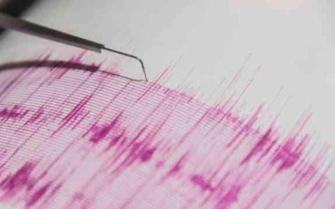 الصورة: الصورة: هزة ارتدادية بقوة 5 درجات في أعقاب زلزال اندونيسيا