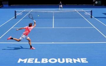 الصورة: الصورة: عزل 47 لاعباً بعد ظهور حالتين ايجابيتين بالكورونا في بطولة استراليا للتنس