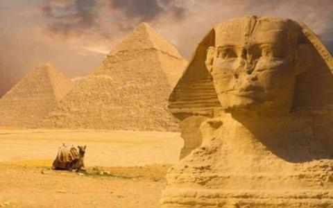 الصورة: الصورة: جدل في مواقع التواصل بعد ادعاء أن الفراعنة استوحوا الأهرامات من اللبنانيين