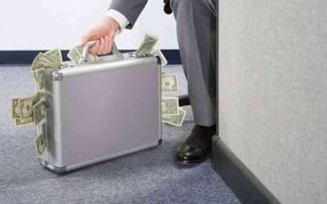 الصورة: الصورة: تنفيذي مبيعات يستغل خبرته ويستولي على 14 مليون درهم