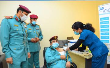 الصورة: الصورة: شرطة الشارقة تنظم حملة تطعيم مجانية في كافة مراكزها الشرطية