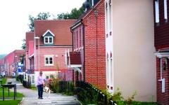الصورة: الصورة: استمرار تراجع أسعار المساكن في بريطانيا خلال يناير