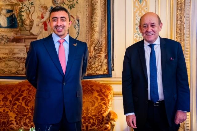 عبدالله بن زايد يلتقي وزير خارجية فرنسا في باريس