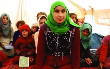 الصورة: الصورة: طفلة سورية ضريرة تشعل مواقع التواصل الاجتماعي
