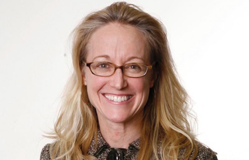 الصورة : فيث ستيفلمان - أستاذة قانون الشركات في كلية الحقوق في جامعة واشنطن ولي.