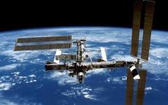 """الصورة: الصورة: وصول """"ظبي سات"""" إلى محطة الفضاء الدولية"""