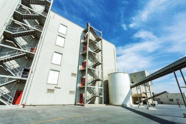 «حرة الحمرية» تستقطب أول شركة أعلاف بالزراعة المائية في الإمارات