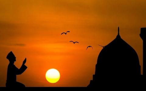 الصورة: الصورة: رمضان 30 يوماً.. وغرة الشهر الفضيل 13 أبريل فلكياً