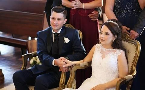 الصورة: الصورة: عروس تفارق الحياة بعد 10 أيام من حفل زفافها بسرطان نادر