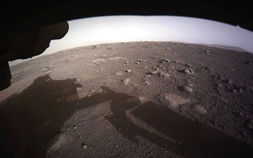الصورة: الصورة: «برسيفرنس» يلتقط صورة بانورامية في المريخ