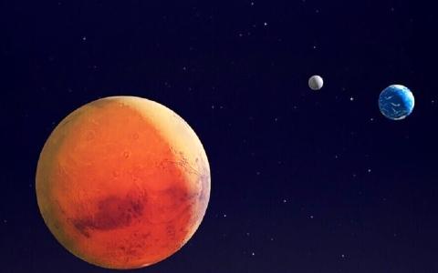 الصورة: الصورة: فوبوس وديموس شظيتان منشقتان عن قمر كبير للمريخ