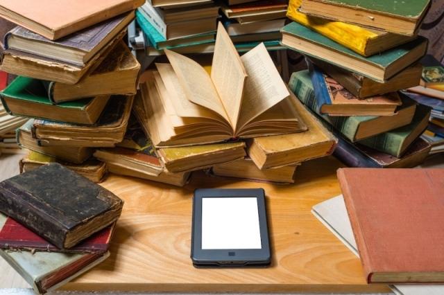 الكتاب الورقي والرقمي..تناغم وتكامل في خدمة المعرفة