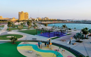 الصورة: الصورة: جزيرة المرجان تعزز تجاربها الترفيهية بملعب للبادل تنس
