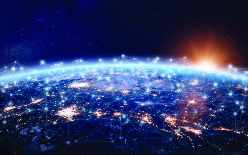 الصورة: الصورة: الإمارات الرابعة عالمياً في انخفاض كلفة الإنترنت عريض النطاق