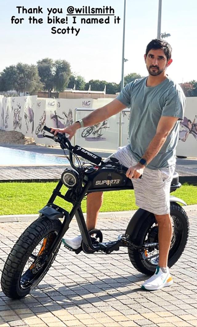 حمدان بن محمد يشكر ويل سميث على الدراجة «سكوتي»