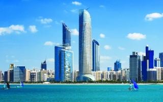 الصورة: الصورة: أبوظبي تحدّث الإجراءات في المنشآت السياحية والفنادق